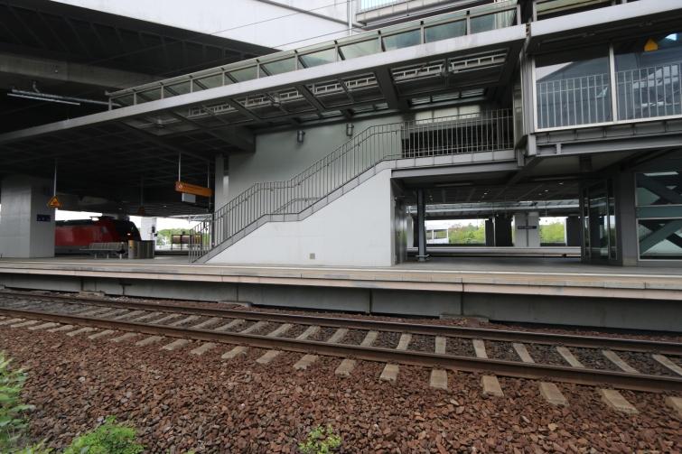 berlin-suedkreuz-bahnhof-sx070