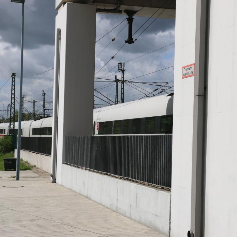 berlin-suedkreuz-bahnhof-sx079