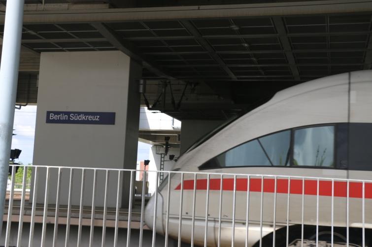 berlin-suedkreuz-bahnhof-sx083