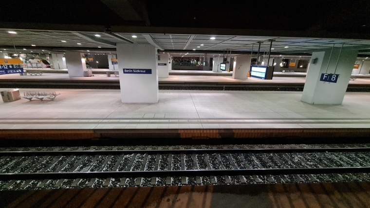 Bahnsteig Bahnhof Berlin Südkreuz
